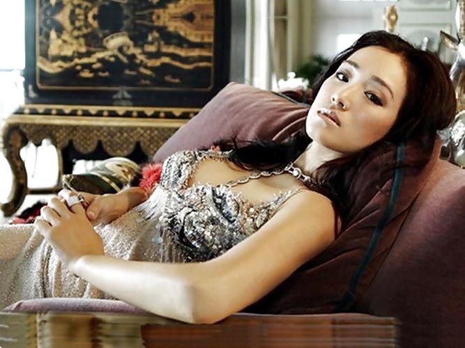 Sexy naked actress indian