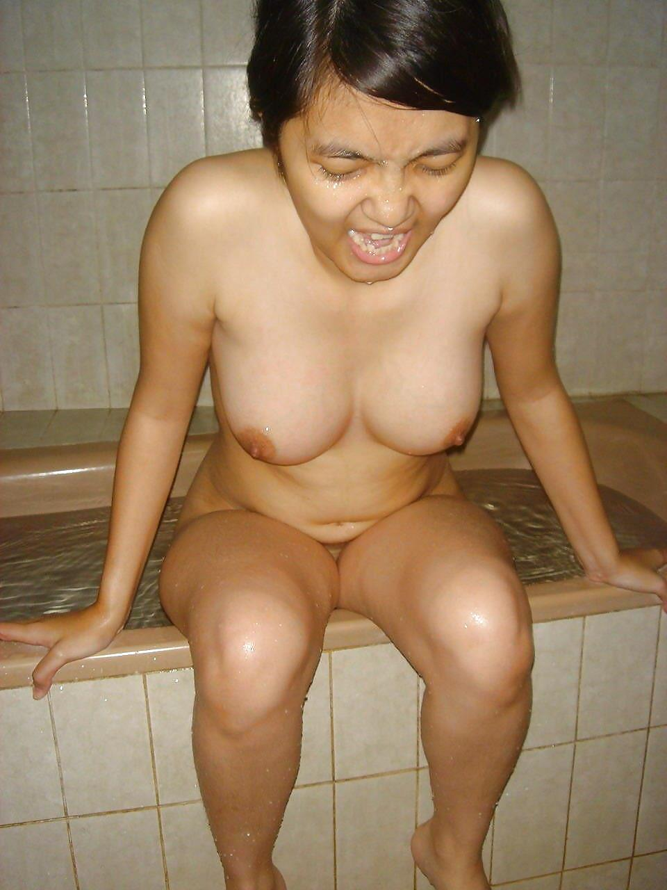 nude indian womens bathing